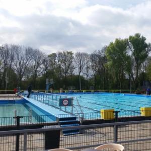Zwembad De Vliet bij minder weer