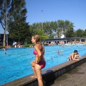 Zwembad De Vliet komt op gang